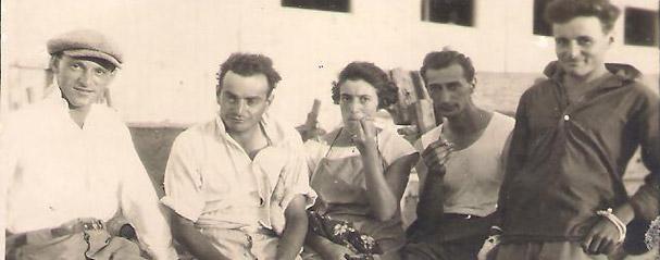 """תמונה של כמה מחברי קבוצת """"ביברכה""""."""