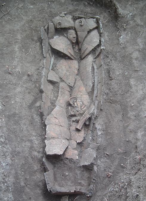 תמונה של ארון הקבורה העתיק