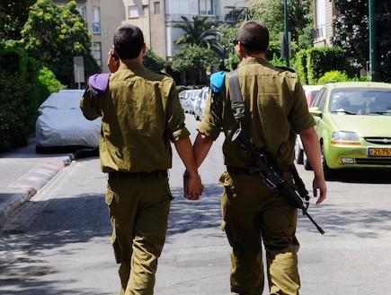 """תמונה של חיילים הומואים בצה""""ל"""