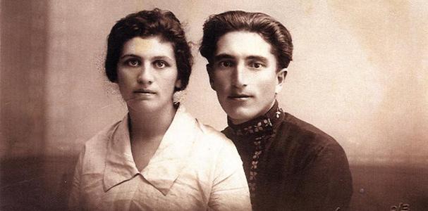 תמונה של חברי הקבוצה חיה ויוסף (ד') לוין ביום חתונתם (1925).