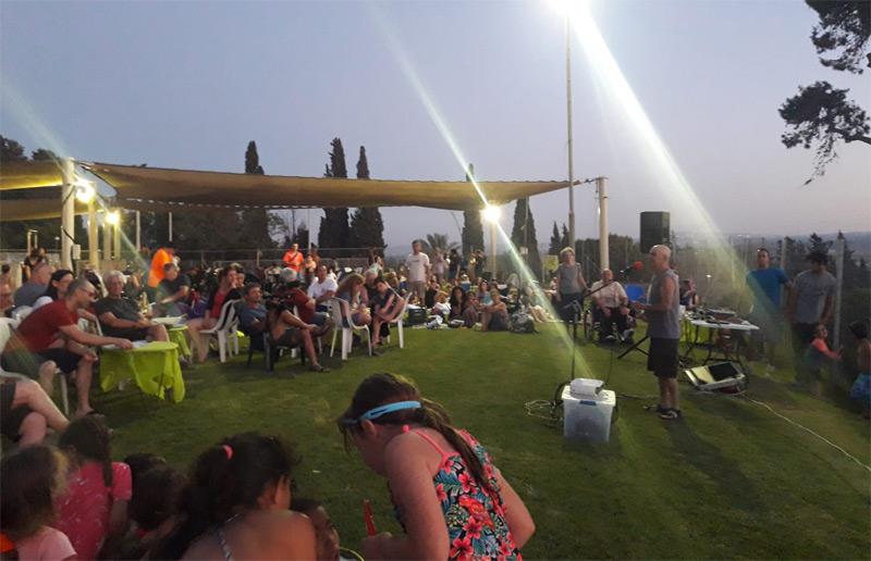 תמונה של מסיבת פרידה מיוסי נץ