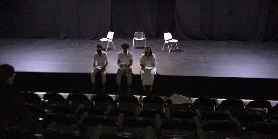 תמונה מתוך המחזה של רותם בכר