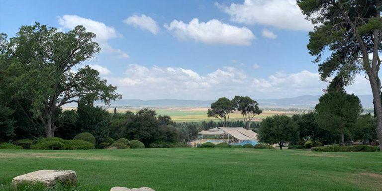 תמונה של הנוף בקיבוץ שריד