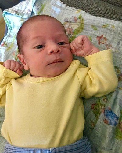 תמונה של אמיר התינוק של מאיה אדרת ושרון אוסטרייכר